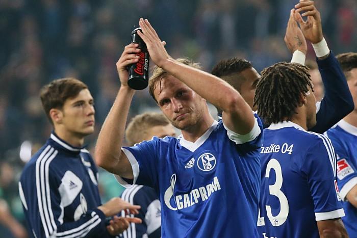 Kapitän Benedikt Höwedes im Trikot von Schalke 04. Fingerhut / Shutterstock.com